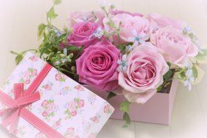 [母の日のプレゼント]マナーとお母さんのタイプ別おすすめをご紹介