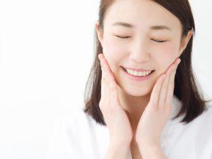 「年齢肌」って?大人女性にありがちな肌悩みの原因と対処法を解説!