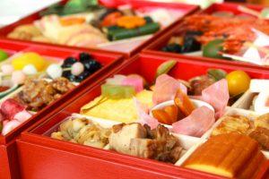 「おせち料理」はいつ食べる?意味・由来と重箱に詰める理由を解説!