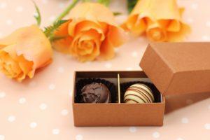 バレンタインの義理チョコはうれしい?男性の本音と喜ばれる渡し方