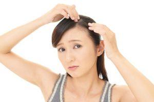 抜け毛は「質」に注意!チェックの方法と原因・対策をご紹介
