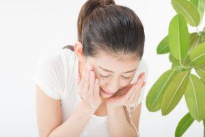 朝の洗顔をしない!?正しい朝洗顔の方法をタイプ別に紹介