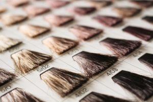 白髪染めにはヘアマニキュアがおすすめ!その理由とヘアカラーとの違いを解説!