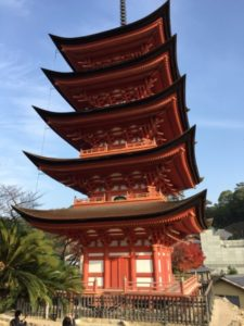 厳島神社の末社・豊国神社の五重塔