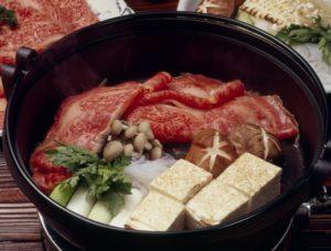 すき焼きは関東と関西で違う!作り方・味付けの違いとは?