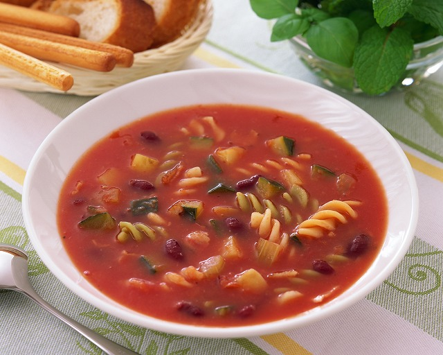 トマトスープとミネストローネの違いは?簡単レシピもご紹介!