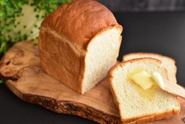 食パンは賞味期限が切れても食べられる?安全性を見極めるコツを伝授